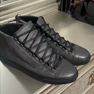 Used Men's Balenciaga Shoes
